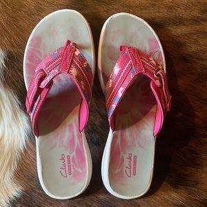 Clark's Cute Flip Flop Sandles